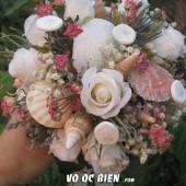 Handmade hoa cưới đính kèm vỏ ốc biển