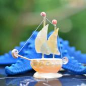 Thuyền buồm vỏ ốc nhỏ TB19