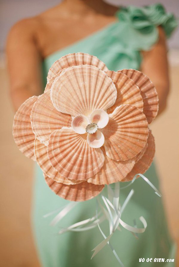độc đáo hoa cưới vỏ sò, vỏ ốc
