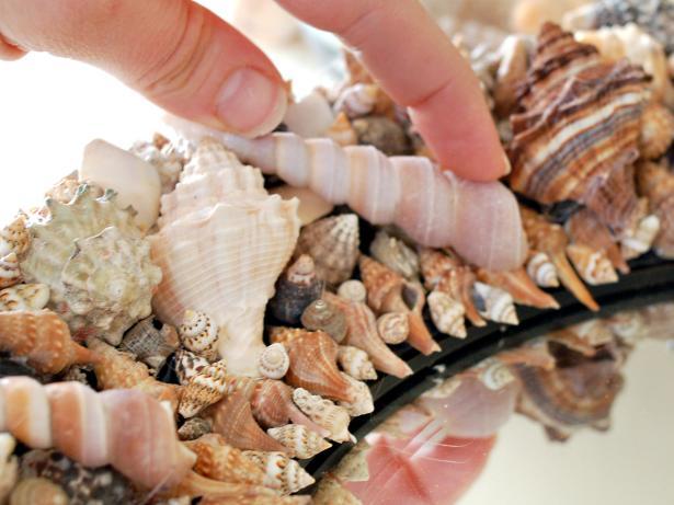 Handmade gương treo tường độc đáo với vỏ ốc biển