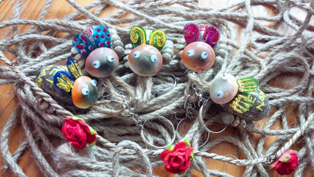 chú bọ dừa làm từ vỏ ốc