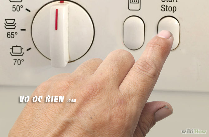 Chạy máy rửa chén