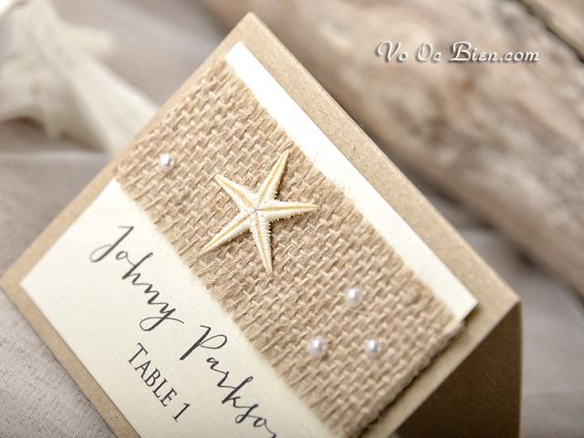 Thiệp cưới để bàn đính sao biển độc đáo