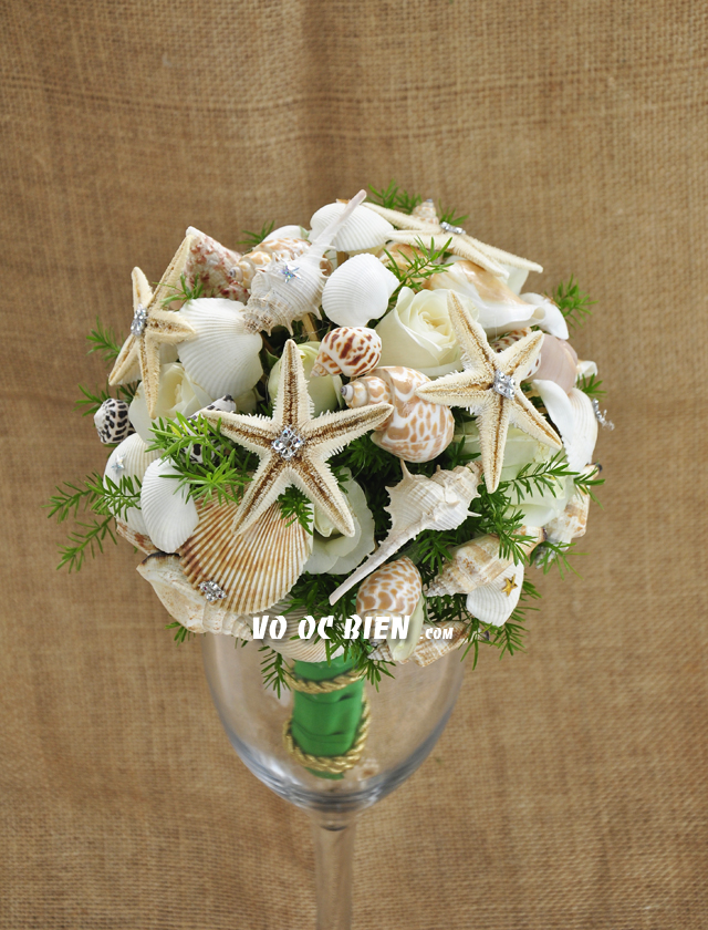 Hoa cưới cầm tay vỏ sò ốc Emerald Green HC11