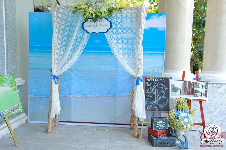 Những vật dụng ton-sur-ton cần chuẩn bị cho đám cưới biển