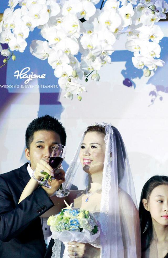 Trang trí lễ cưới lấy màu biển làm màu chủ đạo