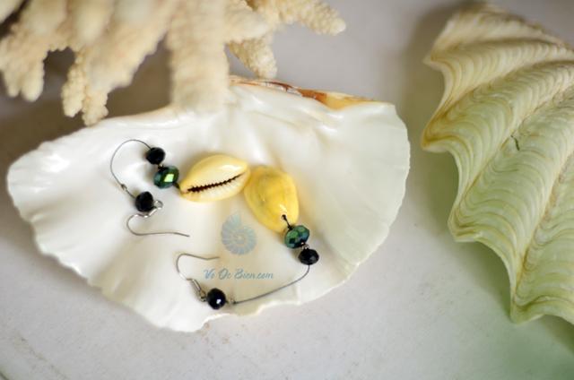 Bông tai vỏ ốc nga đồng tiền vàng BTVO_01 - hình chụp tại VoOcBien