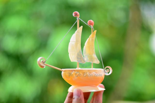 Thuyền buồm vỏ ốc nhỏ TB19 - © bản quyền hình chụp thuộc VoOcBien