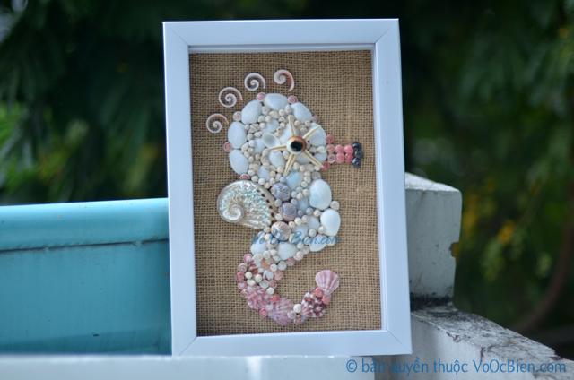 Tranh vỏ ốc đính hình cá ngựa (size 35x26) TO05 - © bản quyền hình ảnh thuộc VoOcBien.com