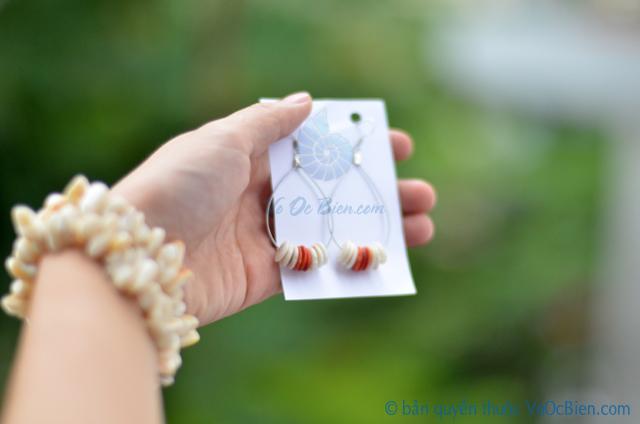 Bông tai vỏ ốc & san hô đỏ BTVO_14 - © bản quyền hình ảnh thuộc VoOcBien.com