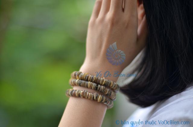 Lắc tay vỏ sò ốc xanh LDT12 – © bản quyền hình ảnh thuộc VoOcBien.com