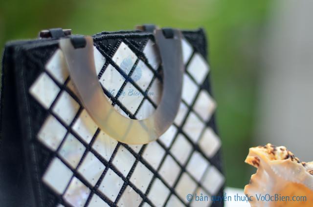 Túi xách đính vỏ trai mài xà cừ TX_01- © bản quyền hình ảnh thuộc VoOcBien.com