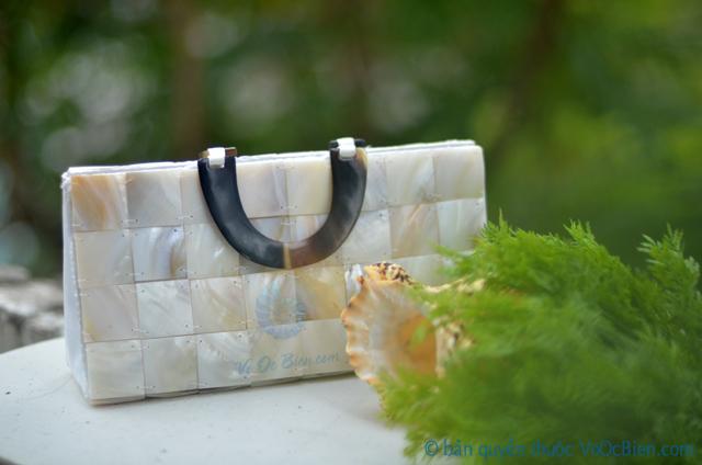 Túi xách đính vỏ trai mài xà cừ TX_02 - © bản quyền hình ảnh thuộc VoOcBien.com
