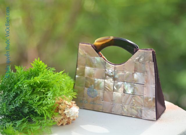 Túi xách đính vỏ trai mài xà cừ GX_05 - © bản quyền hình ảnh thuộc VoOcBien.com