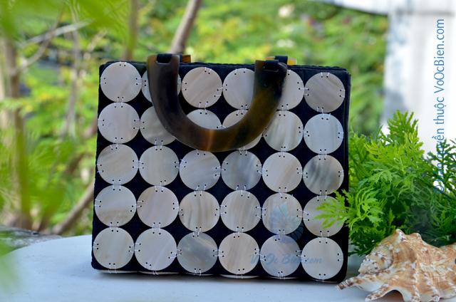 Giỏ xách ốp trai xà cừ nhỏ (đen) GX_10 - © bản quyền hình ảnh thuộc VoOcBien.com
