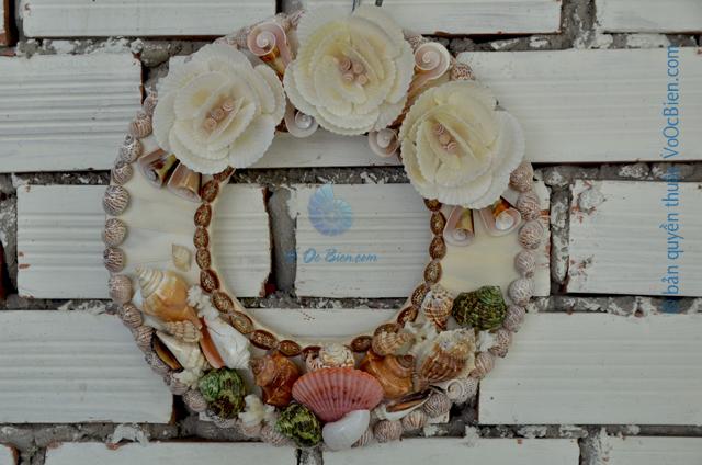 Vòng nguyệt quế vỏ sò ốc VNQ_08 - © bản quyền hình ảnh thuộc VoOcBien.com