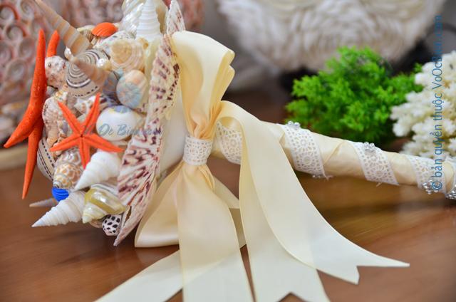 Hoa cưới cầm tay vỏ sò ốc HC14