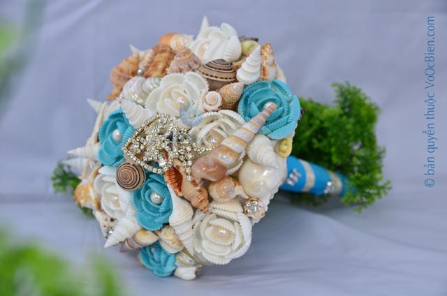 Hoa cưới cầm tay vỏ sò ốc HC15