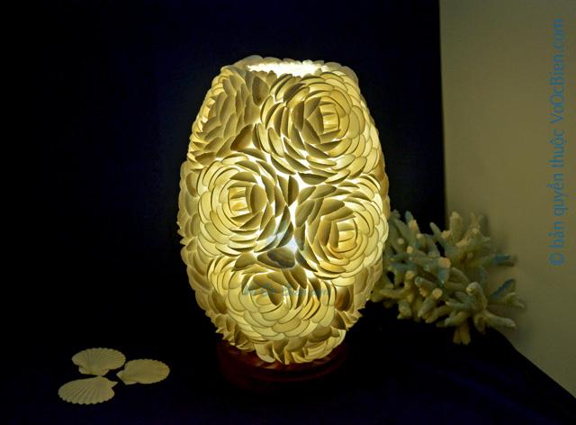 Đèn để bàn vỏ sò ốc kết hoa (bầu dục)